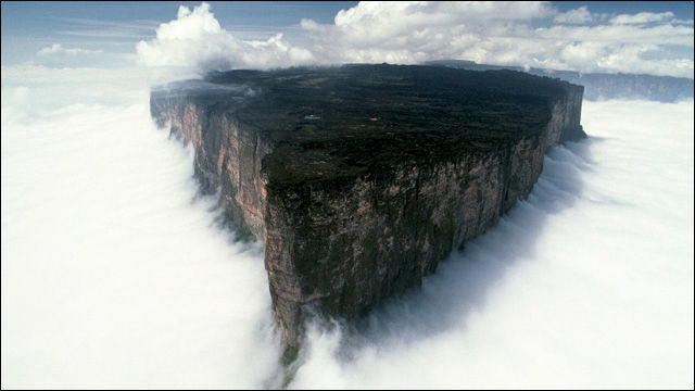 http://dnaimg.com/2011/05/18/mount-roraima-an-island-forgotten-by-time/title.jpg