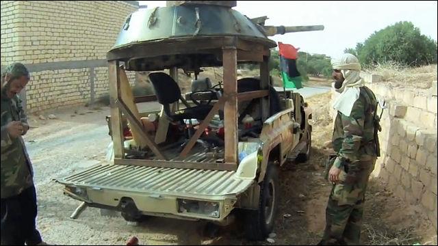 リビア内戦の反体制派が使用する...