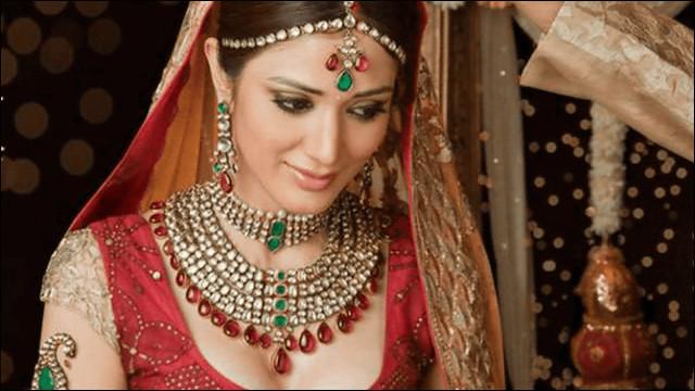 インドの民族衣装で着飾った花嫁姿の美女写真18枚 Dna