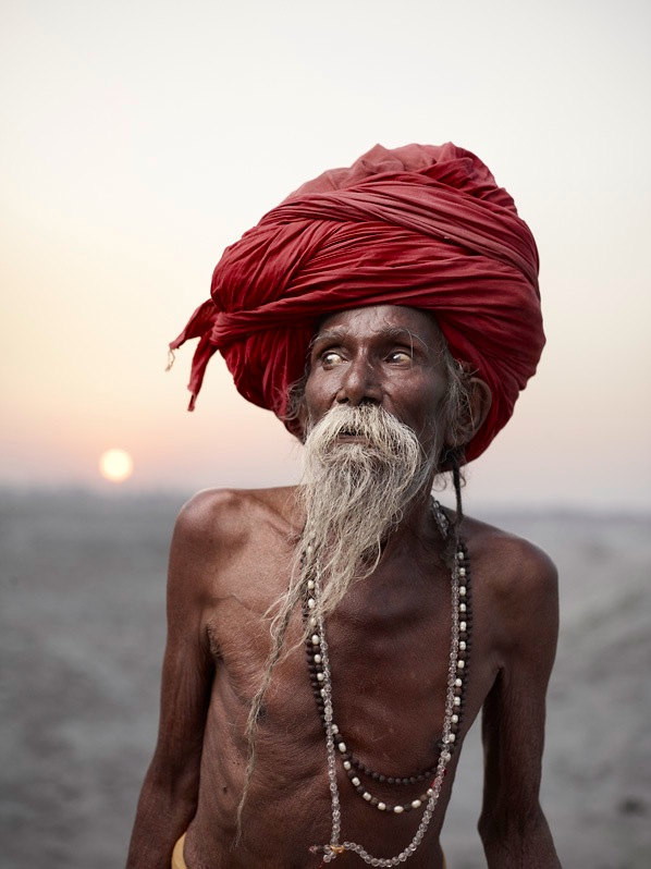 インド・ヴァラナシのサドゥーた...