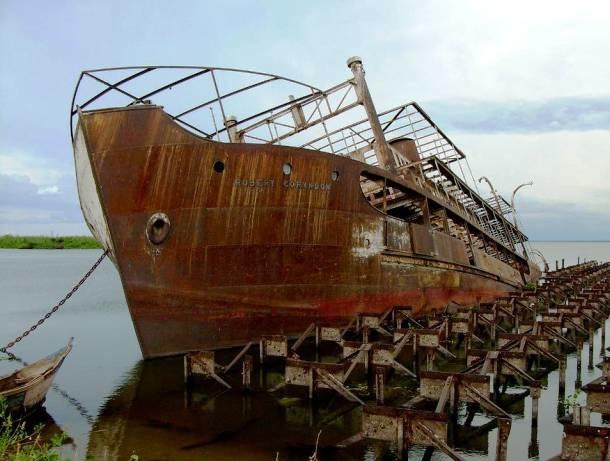ボロボロに朽ち果てながらも圧倒的な存在感を放っている沈没船や難破船の写真25枚