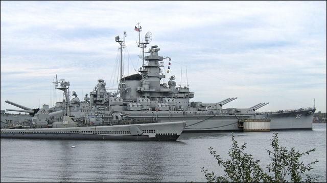 ロシア海軍とアメリカ海軍が激突、両軍の水兵が死闘を繰り広げる - DNA