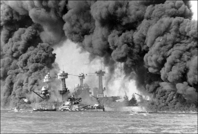 73年前に決行された「真珠湾攻撃」の印象的な写真いろいろ