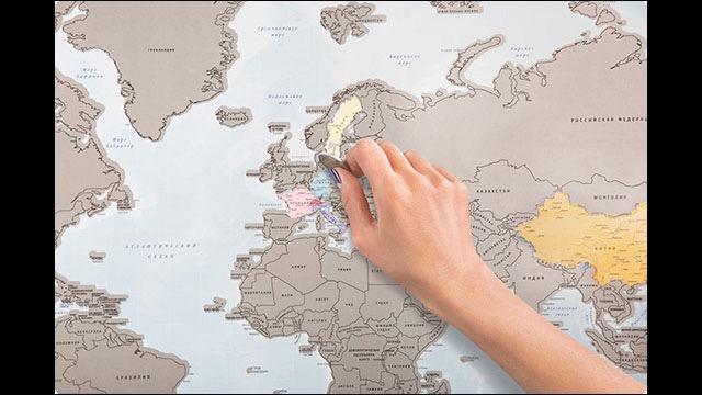 行った国の場所をペリっと剥がして完成する素敵な世界地図ポスターgo
