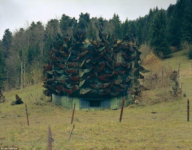 永世中立国スイスの美しい景色にカモフラージュされた軍事施設の写真いろいろ